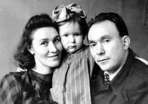 Alexandr Yakovlev and his Family.